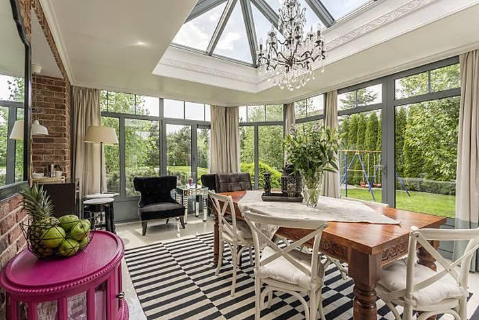 creative-modern-sunroom