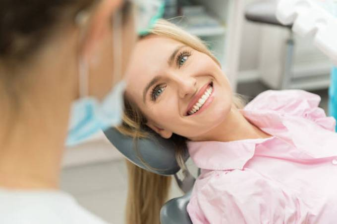 woman-dentist-clinic