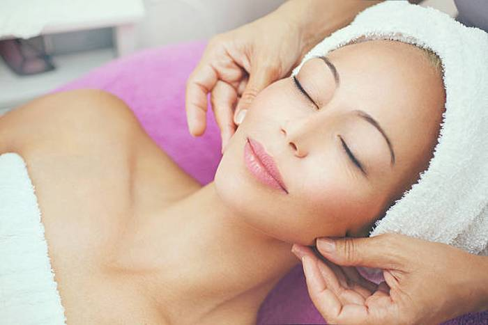 woman-facial-treatment-at-beauty-salon