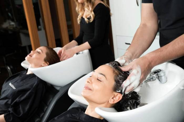 woman-hair-salon